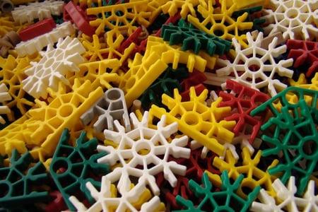 KNEX-pieces-e1346334541565